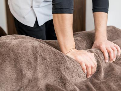 股関節、骨盤、足の骨(大腿骨)のズレ